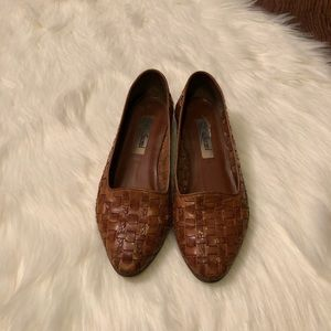 VINTAGE • leather woven shoes